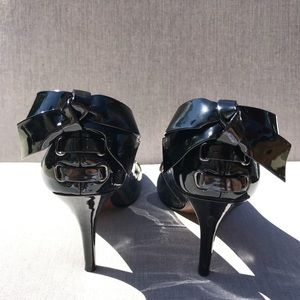 Black Pumps with Bow Enzo Angiolini